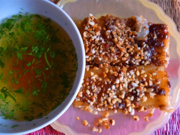 Bánh cao sằng ở thành phố Lạng Sơn từng nổi tiếng một thời, được người Hoa ưa chuộng.