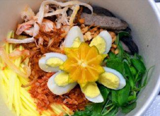 Bánh tráng trộn trở thành đặc sản Sài Gòn đích thực từ khoảng 8 – 9 năm trở lại đây