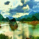Thung Nai nằm trong lòng hồ sông Đà, cách trung tâm thành phố 25 km và Hà Nội khoảng 110 km