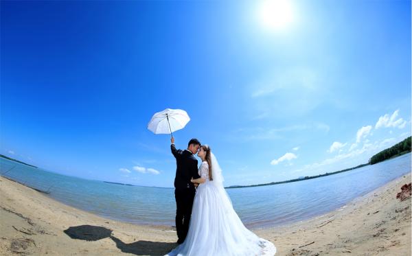chụp ảnh cưới ở hồ trị an