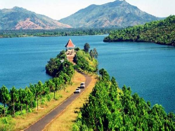 Hồ T'nưng là một trong những điểm đến mà bạn không nên bỏ lỡ