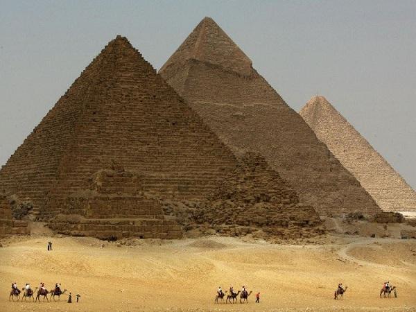 Đại kim tự tháp Giza (Ai Cập) -7 kỳ quan thế giới cổ đại