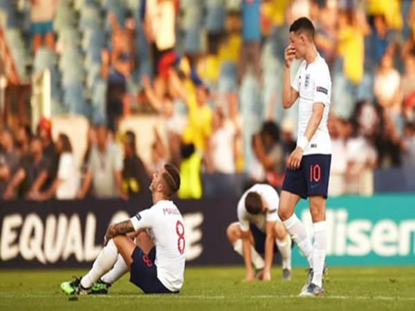 Bóng đá trẻ Anh chấm dứt thời kỳ huy hoàng