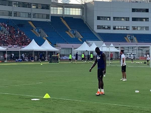 Lukaku chưa thể rời khỏi Man United.