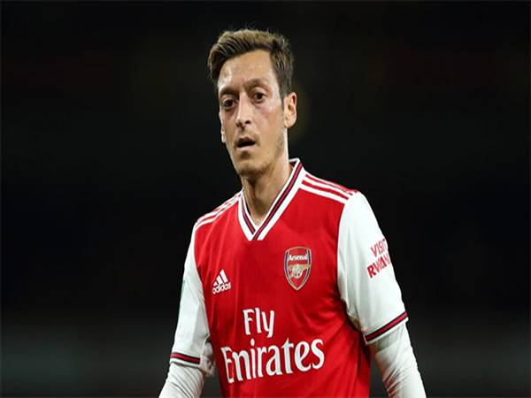 Huyền thoại Arsenal muốn Emery bị sa thải