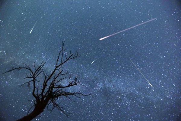 Nằm mơ thấy sao băng là điềm báo gì?