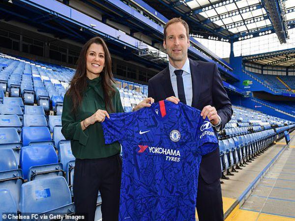 Bóng đá Anh sáng 21/10: Petr Cech bất ngờ trở lại đội hình Chelsea