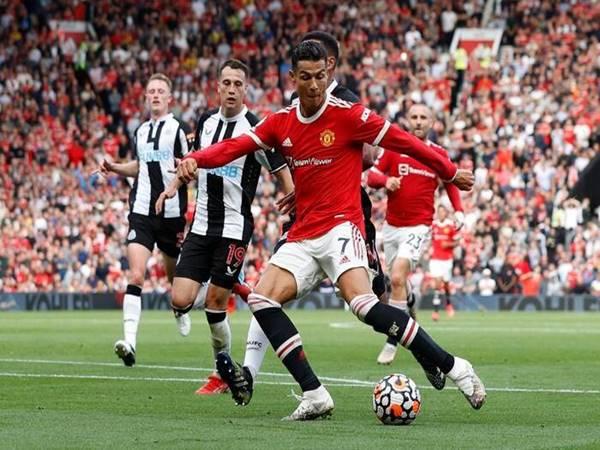 Bóng đá Anh 13/9: CĐV Man United thán phục với tốc độ của Ronaldo